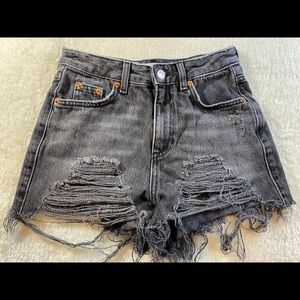 Topshop Mom size:0 distressed shorts